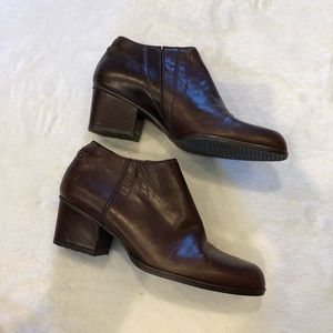 Stuart Weitzman | Brown Leather Ankle Boots Sz 5.5